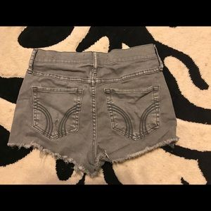 Hollister Gray High Rise Short 26
